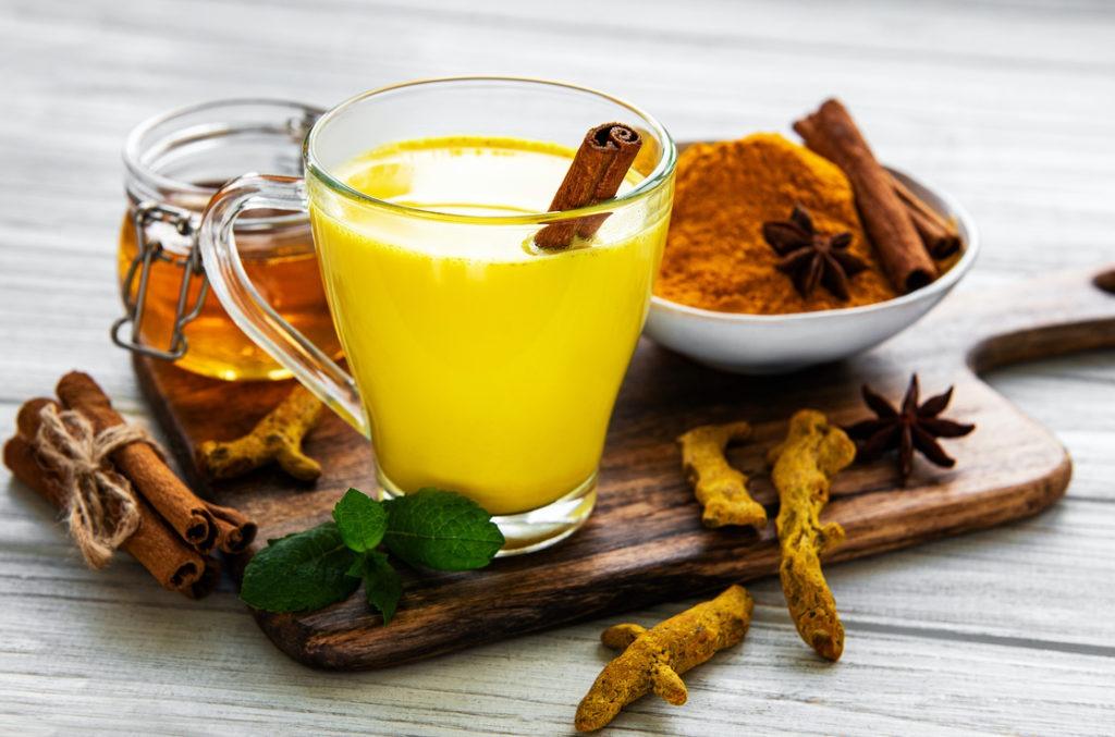 Sehr gesund und lecker: Goldene Milch beim Kurzdarmsyndrom