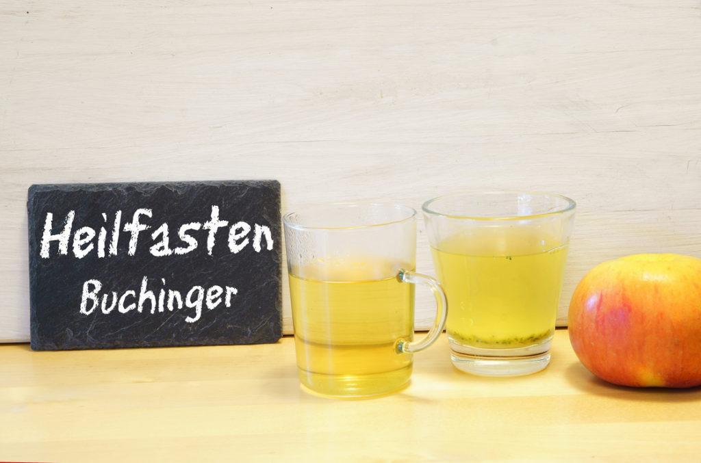 Buchinger Heilfasten mit Saft und Obst.