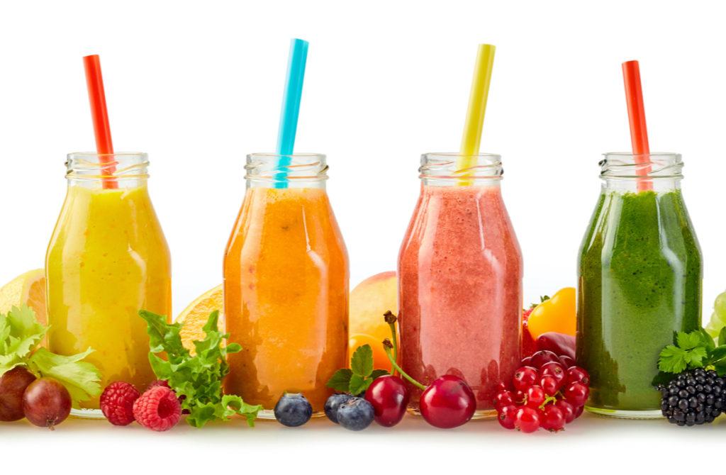 Obst-Smoothies enthalten viel Fructose und Zucker